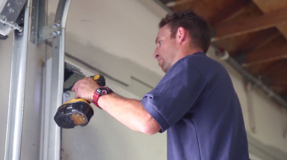 Using the right lubricant for your garage door?